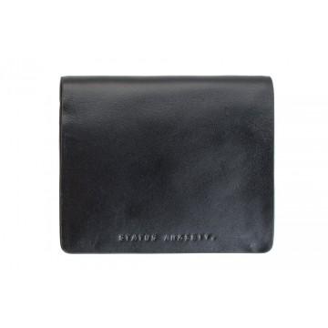 Nathaniel - Lompakko:  Nathaniel-lompakko on valmistettu korkealuokkaisesta italialaisesta nahasta ja varustettu hienoilla ominaisuuksilla....