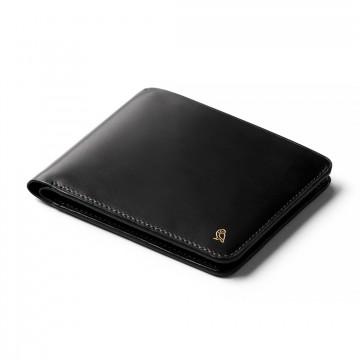 Hide & Seek Designer's Edition - Lompakko:  Upgreidattu versio Bellroy-klassikko Hide & Seek -lompakosta. Niille, jotka haluavat siirtyä ohuiden taskujen...